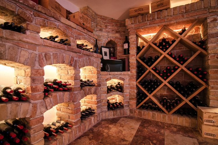 Weinkeller der Victoria Weinbar
